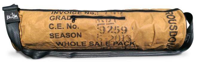 BlooM Ragbag Yoga bag - Black words front