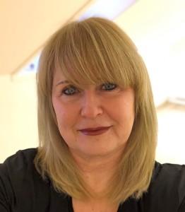 Anita headshot farger